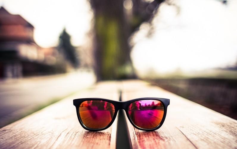 świetne okulary Ray-Ban z lustrzanymi soczewkami